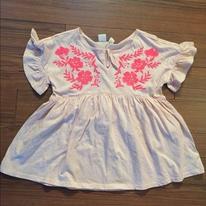 GAP cotton Peasant top with embroidery flowers-NWT